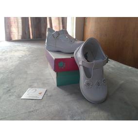 Bonitos Zapatos Blancos Tamiz Para Bebe