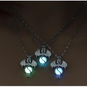 Hermoso Collar Brilla Oscuridad Luminiscente Dragón Serpient