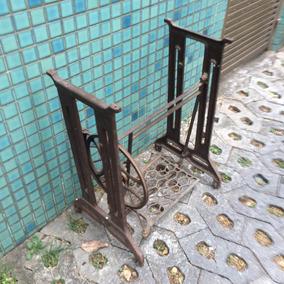 Antigo Pé De Máquina De Costura Ferro Fundido