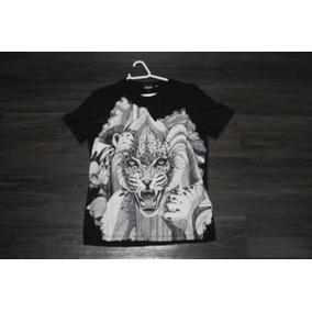 Camiseta Just Cavalli Tamanho P Na Cor Preta Com Estampa