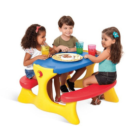 Mesa Recreio Infantil Plastico Hiper Resistente Bandeirante