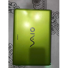 Notebook Sony Vaio Detalhe Na Tela - Verde
