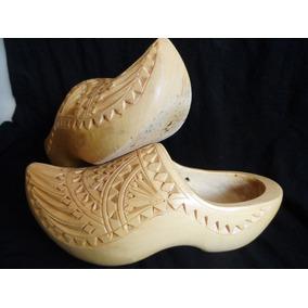 0911774f57d Zapatos Suecos Holandeses Usados Originales En Madera Talla