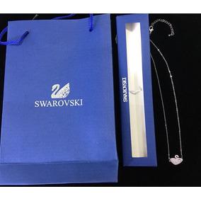 Colar Cisne Swarovski - Joias e Bijuterias no Mercado Livre Brasil 881360e6c9