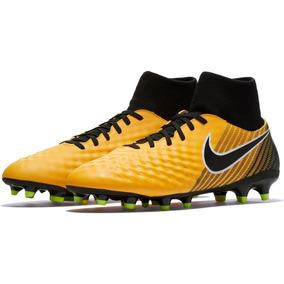 Chuteira Nike Tamanho 45 - Chuteiras Nike para Adultos no Mercado ... fed305ca39596
