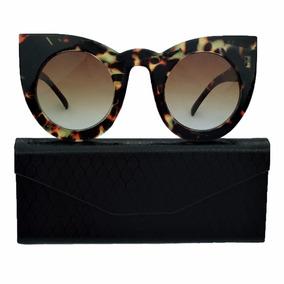 4568666a59ad2 Óculos Gatinho Preto E Branco Fendi De Sol - Óculos no Mercado Livre ...