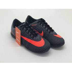 Chuteira Nike Laranja Futsal Cristiano Ronaldo Infantil - Chuteiras ... 19509b01769ba
