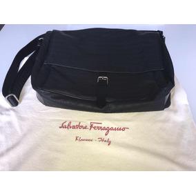 b6e88eaf9b606 Bolsa Carteira Salvatore Ferragamo - Calçados, Roupas e Bolsas no ...