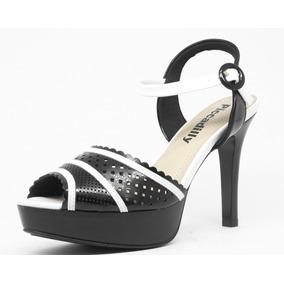 b171c6859 Salto Alto Chique Preto Ou Branco Piccadilly - Sapatos no Mercado ...