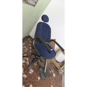 Cadeira De Maquiagem Ou Sobrancelha Reclinável.