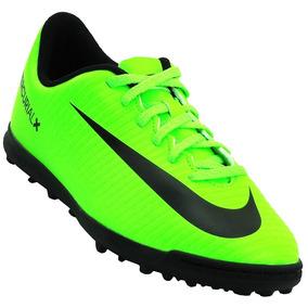 Chuteira Infantil Tamanho 33 Nike Verde Ou Roxa Infantis - Chuteiras ... f278bd8cece90