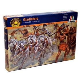 Figuras 1/72 Gladiadores Model Kit - Italeri