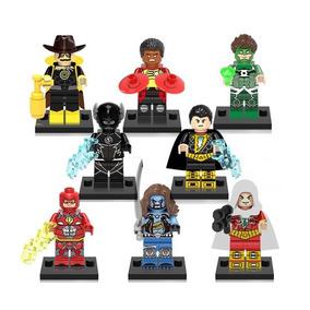 Flash Zoom Nuclear Lobo Adão Negro Capitão Marvel Scarecrow