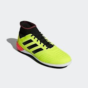 Adidas Predator - Tacos y Tenis Adidas Amarillo de Fútbol en Mercado ... 5be71f936b34b