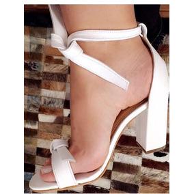 Sandália Salto 9cm Quadrado Laço,branca Em Couro Sintético.