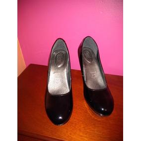 Hermosos Zapatos Negros De Tacon Charol Mujer - Zapatos en Mercado ... c4f1dd3a1df7