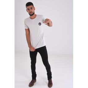 Camiseta Logo Bordado Hombre
