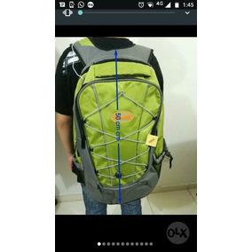 c07a3b8971 Mochila Impermeable Trekking - Accesorios de Moda en Mercado Libre Perú