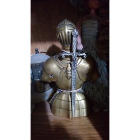 Figura Decorativa De Bronce Con Espada
