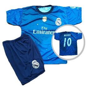 Conjunto Real Madrid - Roupas de Futebol no Mercado Livre Brasil 7f6f83cb1ed31
