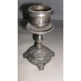 Candelabro Metal Tallado Antiguo Alto 16 Diam. 9 Cms.