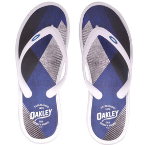 Chinelo Cult Wave Masculino Oakley - Sandálias e Chinelos no Mercado ... a9bd000b229