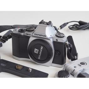 R$1350 Câmera Mirrorless Olympus Om-d E M5 M4/3 (1613cliks!)
