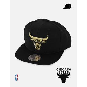 92035291a4ba3 Gorra Nba Chicago Bulls Gold Metallic - Mitchell   Ness Sc