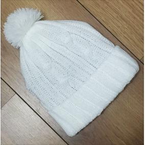 Toucas Branca Com Pompom - Acessórios da Moda no Mercado Livre Brasil bab00df1538