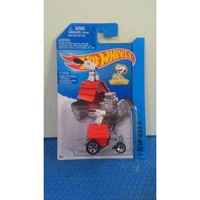 Hot Wheels Snoopy 2014