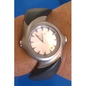4628326f205 Reloj Oakley Detonator Nuevo - Relojes en Mercado Libre México