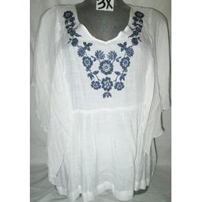 Blusa Blanca Bordada De Azul En Corte Mariposa Talla 3x