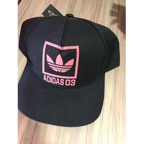 Bone Adidas Aba Torta - Bonés Adidas para Masculino no Mercado Livre ... ba0a7b80124