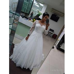 Vestido De Noiva Princesa Com Calda E Véu