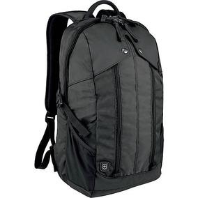 Mochila Backpack Victorinox Almont 3.0 Negra Laptop 15 Pulg