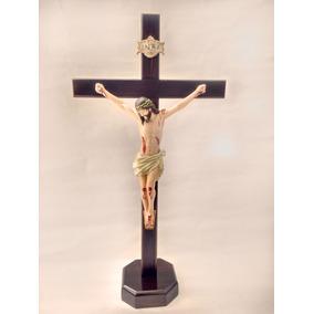 Crucifixo De Mesa Em Madeira Com Imagem Em Rezina 50cm 3300