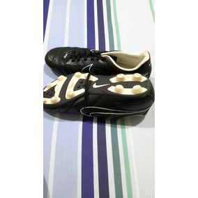 Pupos Nike Tiempo Seminuevos Talla 42 .....$45