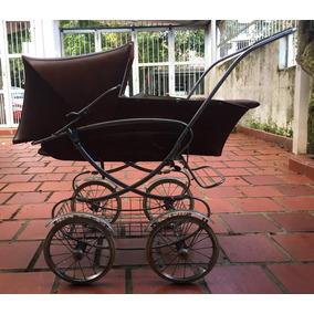 Coche Para Bebé Antiguo Usado. Se Encuentra En San Cristobal