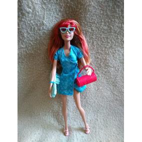 Boneca Barbie Fashion Com Acessorios
