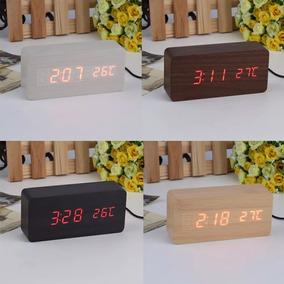 Relógio De Mesa Tipo Madeira Com Despertador E Voice Control