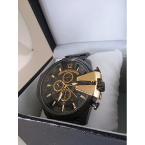 818a958a6e6 Relógio Masculino Grande Diesel Pulseira Aço Preto E Dourado