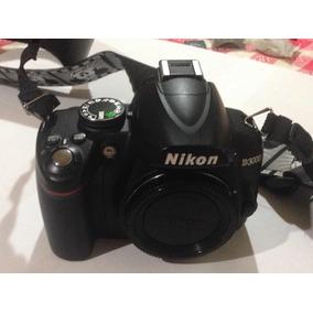 Cámara Nikon D3000 Con Accesorios + Bolso Victorinox