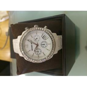 Relógio Michael Kors Metálico Prata Fundo Branco Importado ... 0ea64bef6c