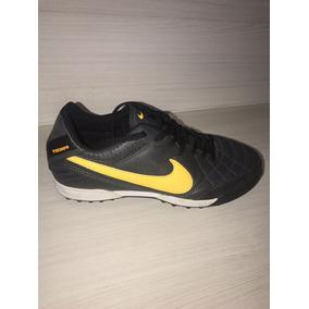 5e395474d8 Chuteira Nike 40 Usada - Chuteiras para Adultos