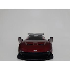 Miniatura Aston Martin Vulcan Vermelho Kinsmart 1/38