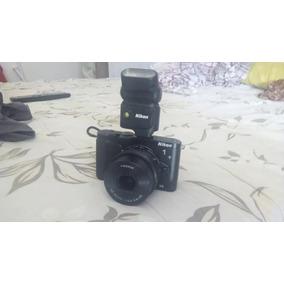 Nikon 1 V3 Com Flash
