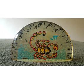 Palatnik Escultura Em Resina Representando Signo(escorpião )