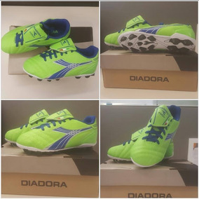 Zapatos De Futbol Diadora - Tacos y Tenis Césped natural de Fútbol ... 705757314969e