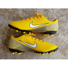Zapatos Fútbol Tacos Niños Nike Neymar Talla 35 (3 Y) 22cm. Bs. 700 085c2bc01fccc