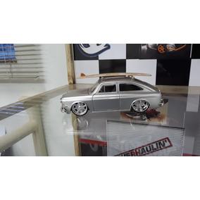 Miniatura Volkswagen 1600 Tl 1965 V-dubs Jada Toys 1/24
